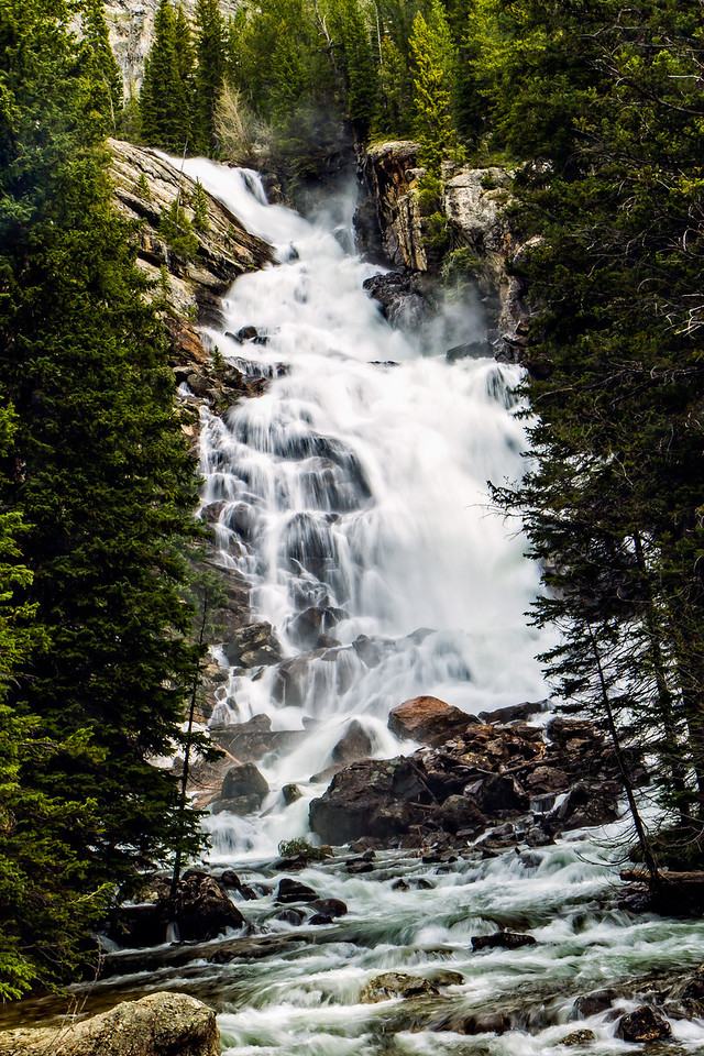 IMAGE: http://alfredomora.smugmug.com/Travel/Grand-Teton-and-Yellowstone/i-4w97HPK/0/X2/20120521-Hidden-Falls-view-001-X2.jpg